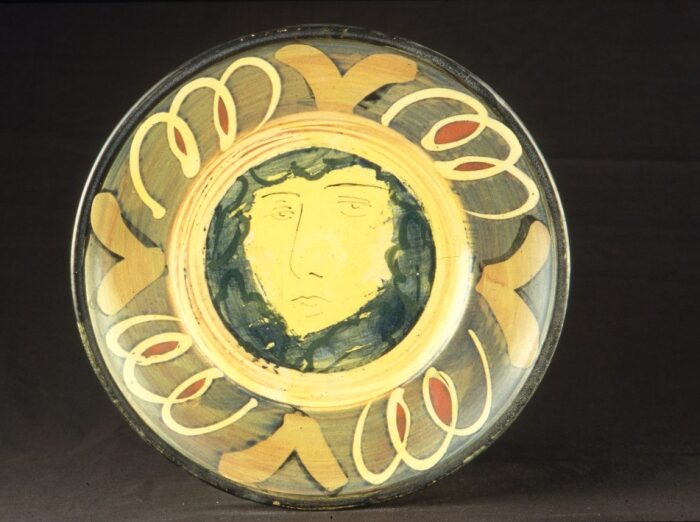 Rimmed plate 26cm Yellow face 1989