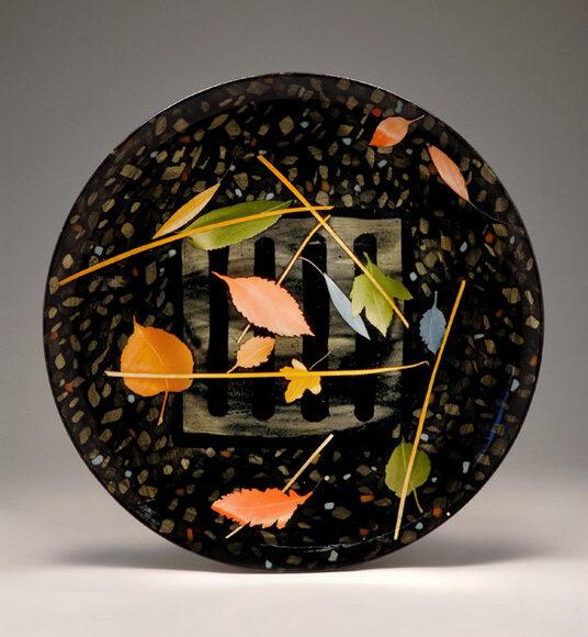 Large plate 38cm Drain grid & leaves £250